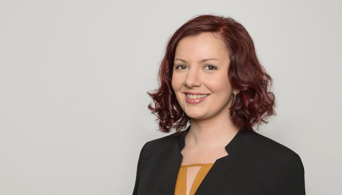 Lora Asenova, Business Consultant
